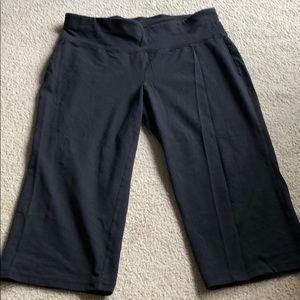 Livi Active crop wide leg leggings black 14/16